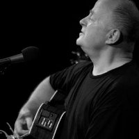 Christy Moore tour dates and tickets