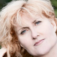 Eddi Reader tour dates and tickets