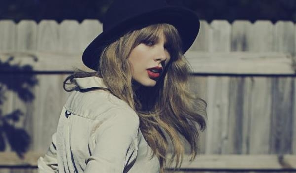 Taylor Swift Premi�res Video For '22' - Watch Now