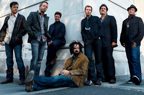 Counting Crows Announce Release Of New Live Album 'Echoes Of The Outlaw Roadshow'