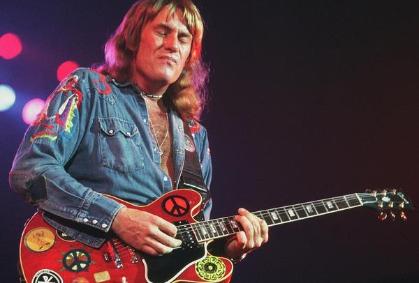 Ten Years After Singer And Guitarist Alvin Lee Dies Aged 68