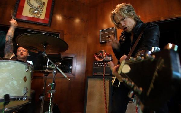 Paul McCartney's Guitarist Brian Ray Announces Debut Single �Sucker For Love'
