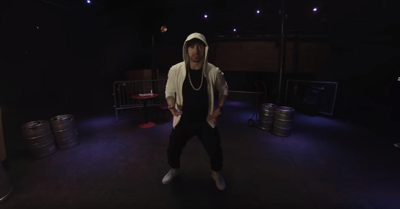 Freestyle: Eminem Raps