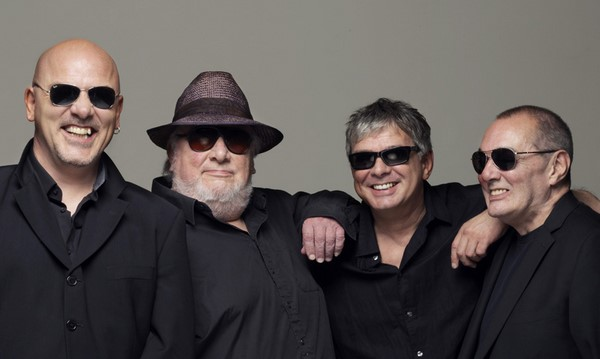 The Stranglers keyboardist Dave Greenfield dies following COVID-19 battle, aged 71