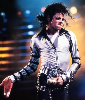 A Verdade: Porque a MTV voltou com a Vanguarda Award Michael Jackson Mj-bad-1987
