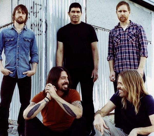 Foo Fighters Stream New Album 'Wasting Light' Online - Watch Now