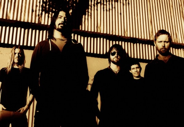 Foo Fighters - Wasting Light (Album Review)