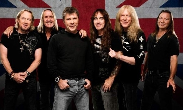Iron Maiden's Bruce Dickinson Brands Texting Rocker A 'Wanker' - Watch Now