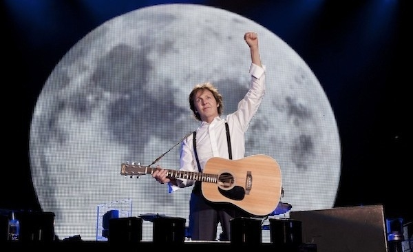 Sir Paul McCartney To Replace Kurt Cobain In 'Nirvana' Reunion Tonight