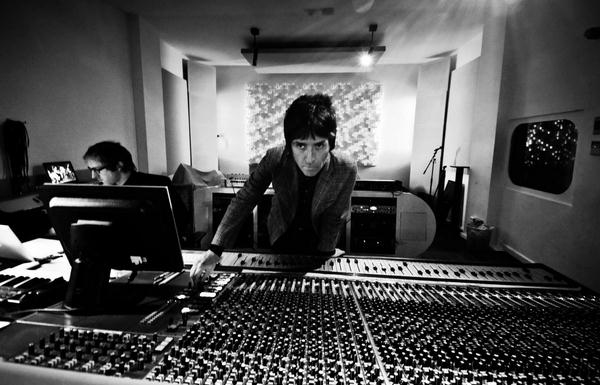 Johnny Marr Announces Debut Solo Album 'The Messenger' And Unveils Title Track - Listen Now