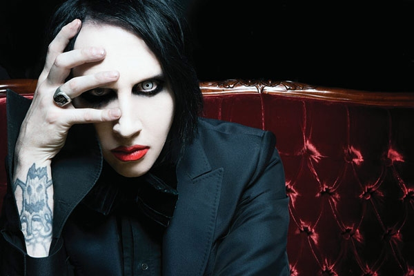 Marilyn Manson Unveils 'Hey Cruel World...' Video - Watch Now