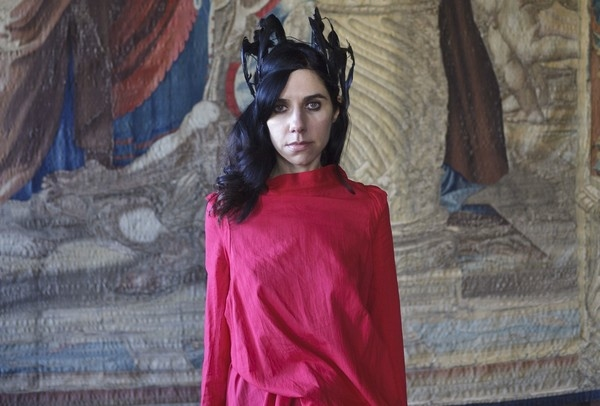 PJ Harvey 'Let England Shake': 12 Short Films By Seamus Murphy' To Be Screened At Hay Literary Fest