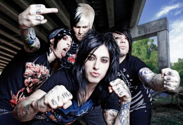 Falling In Reverse 'I Am Not A Vampire' Video Hits One Million Views In Three Days - Watch Now