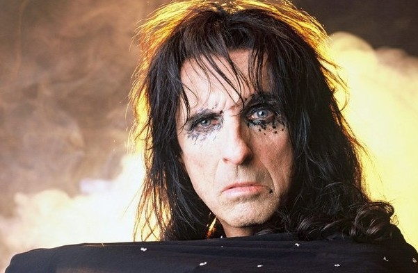 Alice Cooper Pays Tribute To The Rolling Stones On New Single 'I'll Bite Your Face Off'