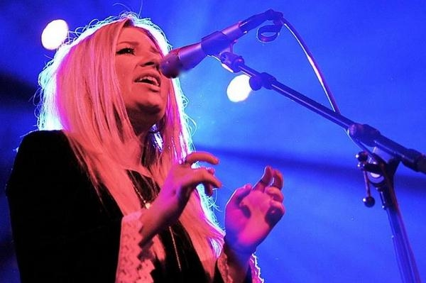 Carly Connor Announces Free Download And Winter Scottish Dates