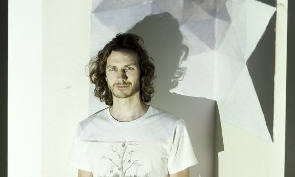 Gotye's Unstoppable Single 'Somebody That I Used To Know' Hits UK Number One Spot