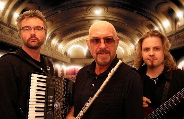 Ian Anderson - Thick As A Brick 2 (Album Review)