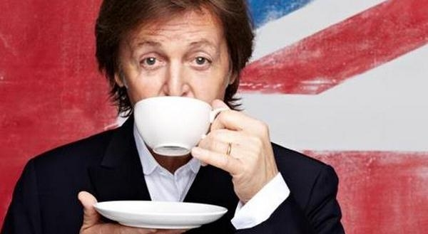 Paul McCartney To Release 'Live Kisses'